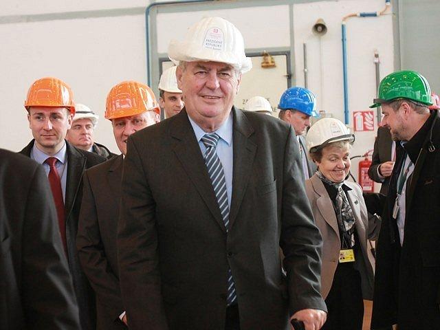 Miloš Zeman se zastavil v jaderné elektrárně Temelín.