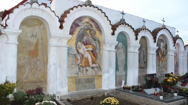 Hřbitov v Albrechticích nad Vltavou.