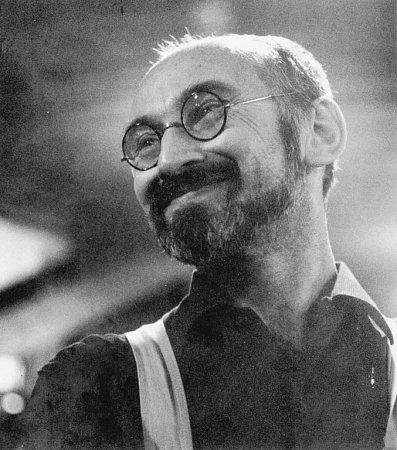 Ve věku 88let zemřel 24.března 2013Jiří Tichý, jihočeský výtvarník a filozof, jehož dílo zná celá Evropa. Nejvíc ho proslavily tapisérie. Na snímku vPaříži vroce 1968.