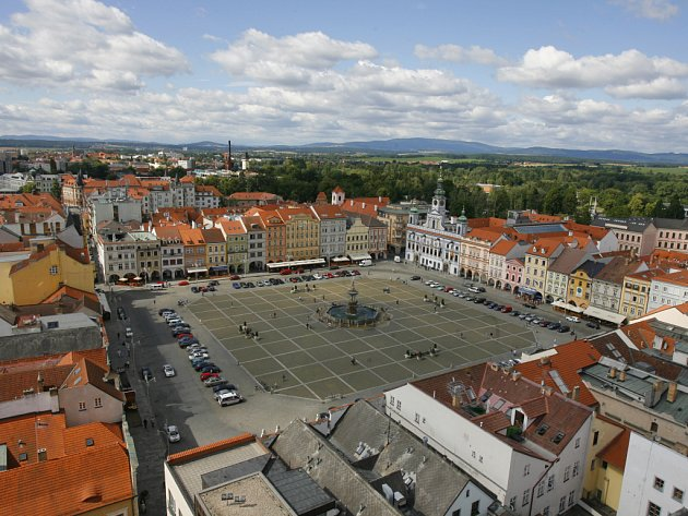 Nejen autor fotopublikace Milan Binder, ale určitě i mnozí další považují čtvercové českobudějovické náměstí za nejkrásnější na světě.
