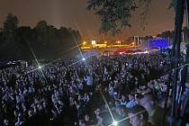 Audiovizuální show Vltava žije přilákala v pátek večer na českobudějovickou náplavku na dvacet tisíc lidí.