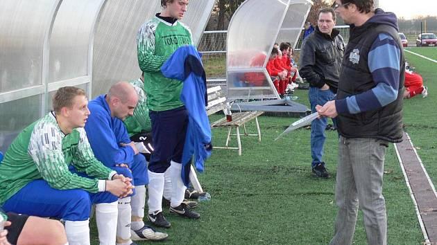 Trenér Slavoje Michal Hrdlička je v Hrdějovicích spokojen. I na jaře chce prohánět v I. A kandidáty na postup.