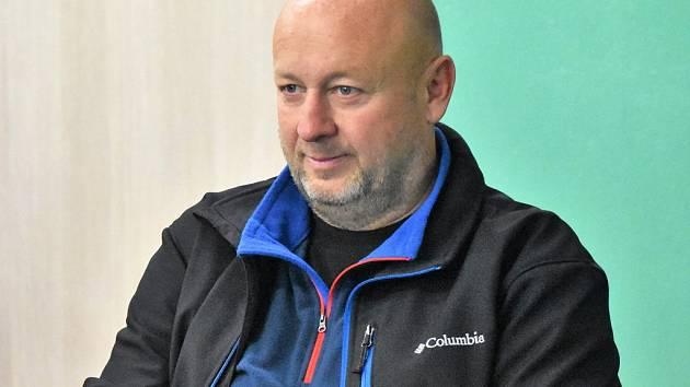 Daniel Hlaváček na stolní tenis chodí už jen fandit.