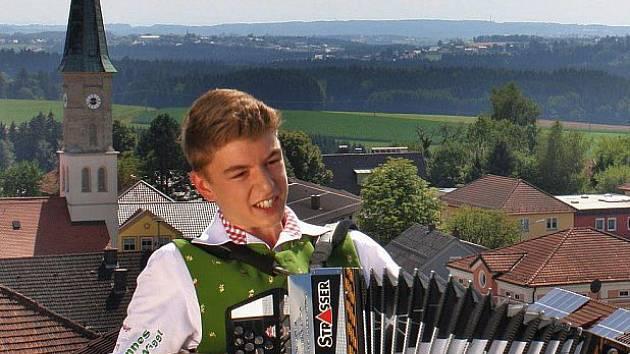 Johannes Niggl, Král letních hitů.