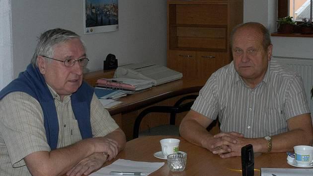 Zakladatelé Dvořákova memoriálu Karel Pražák a Karle Vácha.