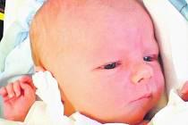 29.11.2010 ve 12.45 hodin poprvé vykoukl na tento svět 3,49 kg vážící Jan Candra. Na sourozence se doma na Včelné už moc těšila rok a půl stará sestřička Terezka.