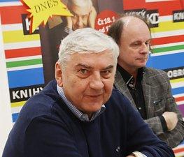 Miroslav Donutil při autogramiádě v českobudějovickém obchodním centru IGY
