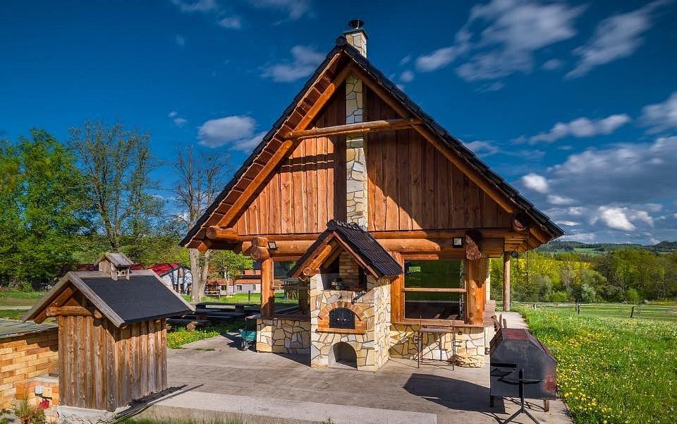 Ranch Jestřebice má samostatné zámezí k pořádání všech možných akcí - svateb, oslav nebo firemních akcí.