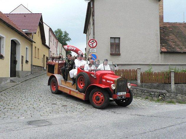 Veteránská akce S kopce do kopce ve Svatém Janu nad Malší.