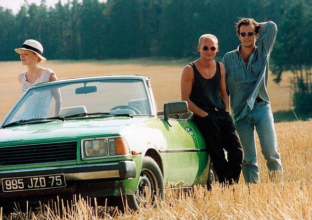 Snímek Jízda se natáčel téměř po celých jižních Čechách. Na snímku hlavní představitelé.