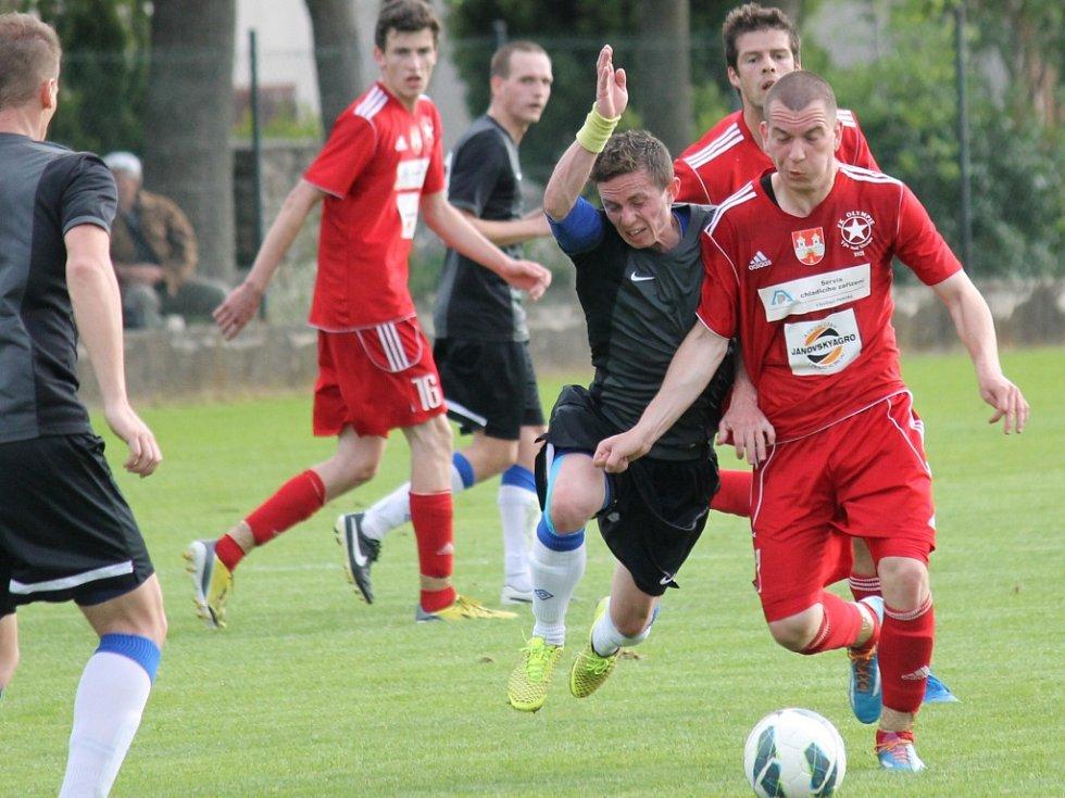 Olešník ve šlágru I.A třídy vyhrál nad Týnem 3:0 a posunul se před Olympii na druhé místo.