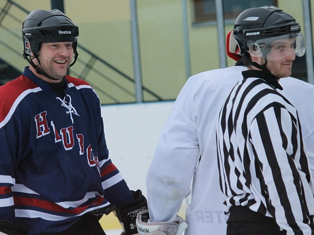 Hokejisté Hluboké B remizovali v Kuki aréně s Rangers Ševětín 6:6, druhé semifinále se hraje v sobotu v Centru Pouzar.