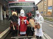 Stovky malých i velkých zájemců si v úterý užily již 15. Mikulášskou jízdu s českobudějovickým dopravním podnikem.