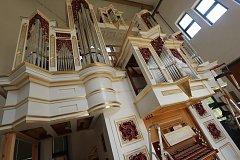 Varhanář Vladimír Šlajch dokončuje unikátní varhany pro Svatou Horu u Příbrami.