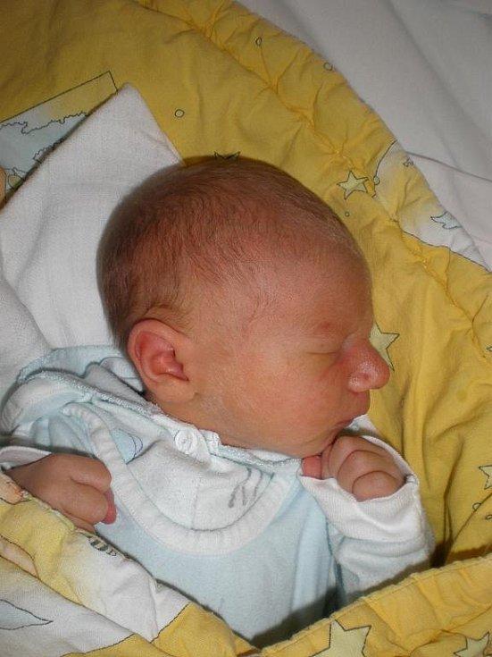 Dominik Licek, České Budějovice, 9. 11. 2009 ve 20.30 h, 3,11 kg