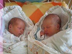 Hned dvojnásobnou radost mají ve Větřní na Českokrumlovsku. Dvojčata Matěj a Michal Čepovi přišli na svět 11.7.2011. Michal se narodil v 10.18 hodin a vážil 3,07 kg, o minutu mladší bráška ho následoval v 10.19 hodin a jeho porodní váha byla 2,80 kg.