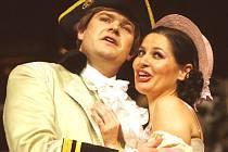 Natáčení komické opery Josepha Haydna čeká v pátek při premiéře představení Lest a láska diváky Jihočeského divadla.
