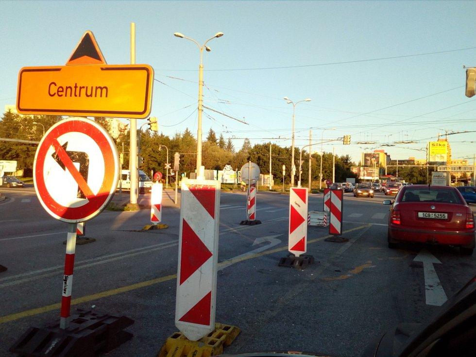 Rekonstrukce mostu v Nádražní ulici v Českých Budějovicích v roce 2020.