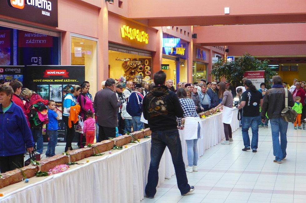 V IGY Centru se 17. dubna 2014 pokusili o rekordní velikonoční sekanou. Povedlo se. Pelhřimovská Agentura Dobrý den zařadila českobudějovickou sekanou mezi rekordy.