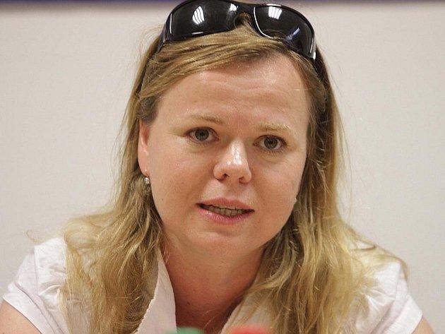 Sabina Remundová ztvárnila ve filmu Lidice postavu farské Toničky.