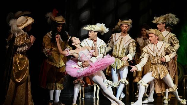 Klasický balet Šípková Růženka.