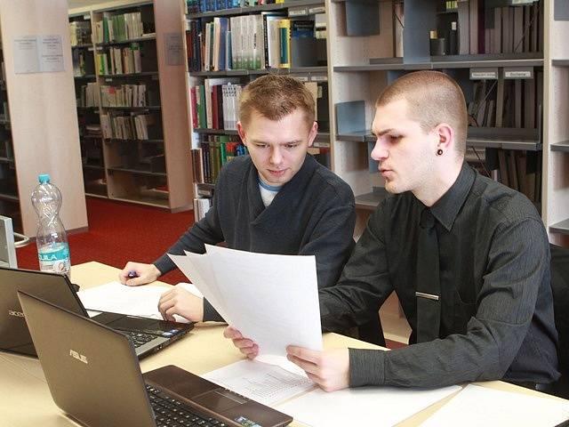 Na Jihočeské univerzitě začalo zkouškové období.
