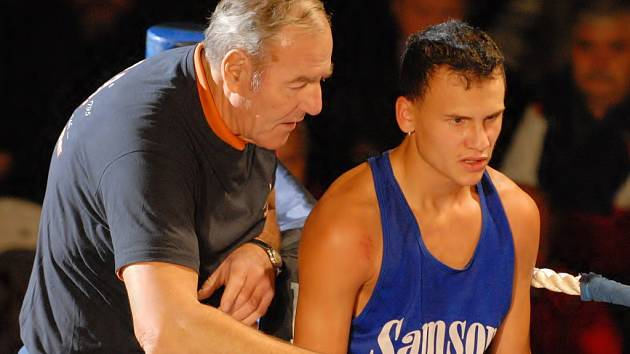 Zdeněk Šesták (na snímku se svým trenérem Josefem Němcem) se poprvé představil v Gerbeře českobudějovickým divákům.