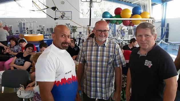 Na snímku (zleva) Martin Biháry, primátor Jiří Svoboda a Jiří Smékal.