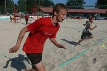 Žáci Dynama nabírali kondici v písku, Martin Fišer