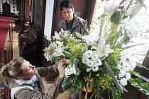 Výstava květinových aranžmá na hradě Rožmberk.