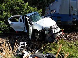 Tragická srážka auta s vlakem v Kamenném Újezdu