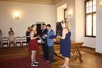 Na českobudějovické radnici gratulovali učňům za prospěch i praktické zkušenosti.