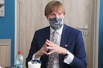 Hodnocení jarní koronavirové krize s ministrem zdravotnictví Adamem Vojtěchem na KHS v ČB.