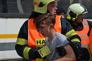 Cvičení záchranných složek na letišti u Kadova