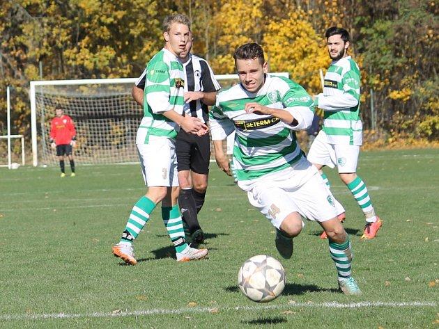 Bavorovice (v černobílém) v I.A třídě podlehly doma béčku Malše Roudné 0:1 gólem Silvy v 90. minutě.
