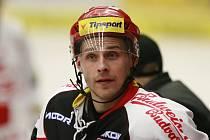 Útočník HC Mountfield Lukáš Květoň.