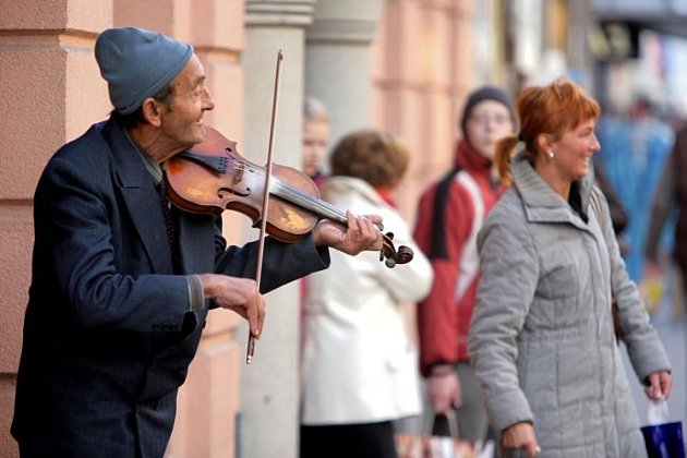 Omezí město pouliční hudbu?