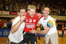 Blokař Jihostroje České Budějovice Radek Mach (uprostřed) vyráží do Bělehradu s týmem vysokoškolských volejbalistů, má být jedním z lídrů českého výběru.