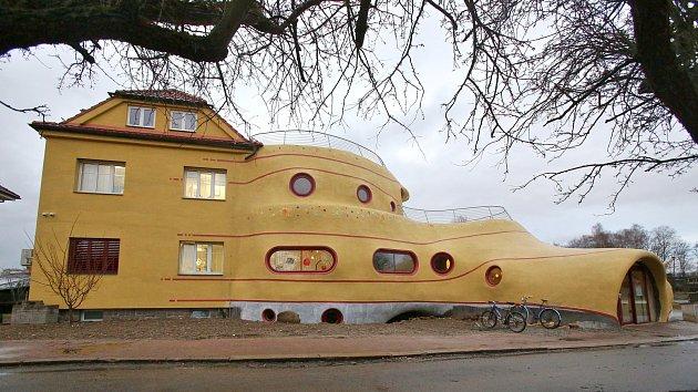 Dům - socha v Českých Budějovicích