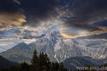 Mraky nad Dachsteinem