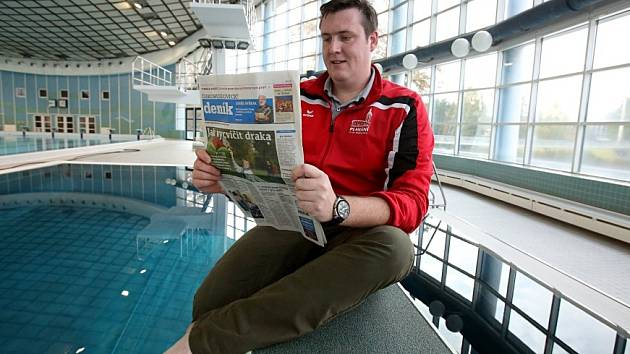 JAKO DOMA se cítí Filip Pytel na českobudějovické kryté plovárně. Tráví zde veškerý volný čas.