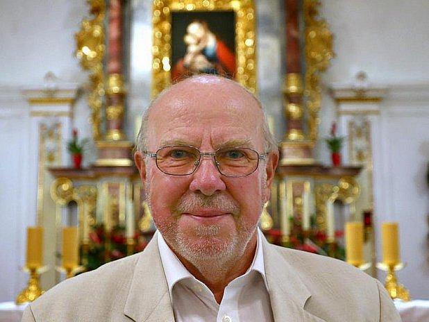 Pan Dreyer chce obnovit kostel vArgentině.
