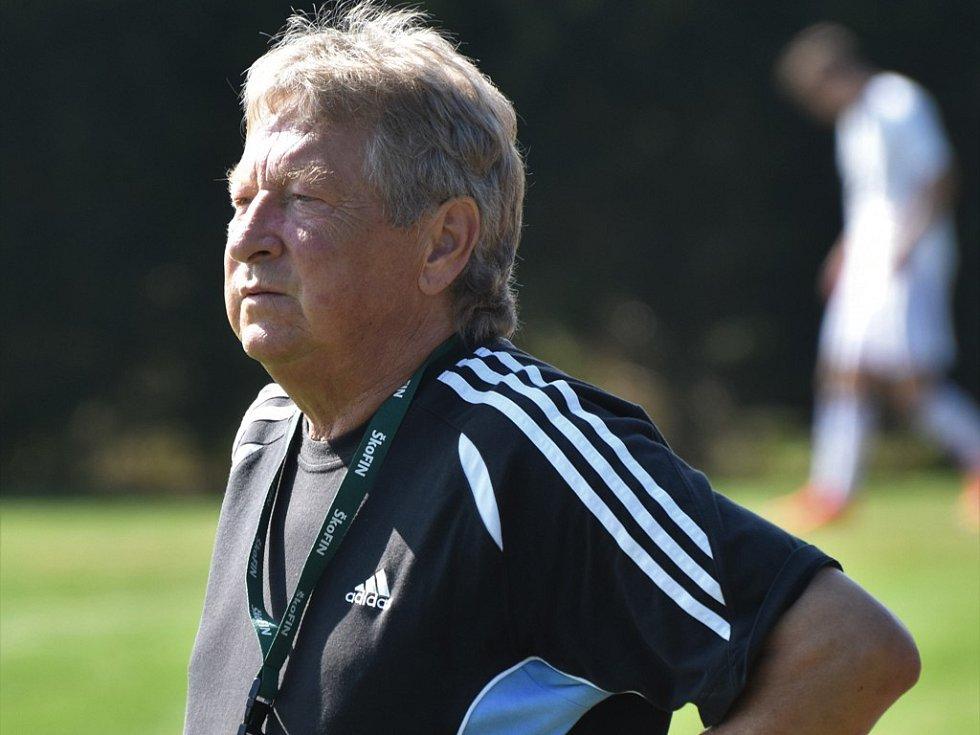 Miroslav Pekárek v roli trenéra dovedl fotbalisty Nové Vsi u Č. Budějovic v I. A třídě k podzimnímu prvenství.