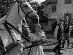 Hledáme pamětníky z natáčení filmu Divá Bára (1949)