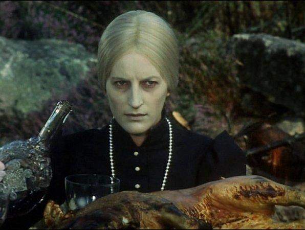 Babička, matka, sestřenice - to všechno hrála Helena Anýžová.