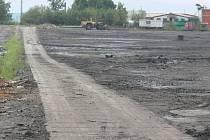 Rekultivace lokality po chemické úpravě uranových rud mezi obcemi Mydlovary, Olešník, Zahájí a Dívčice má také za úkol omezit malé množství radiace, kterou i tak lze v oblasti přístroji naměřit.