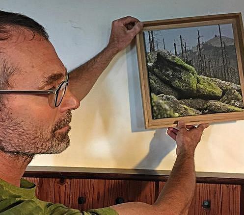 Na Luzném je výstava fotografií přírody.
