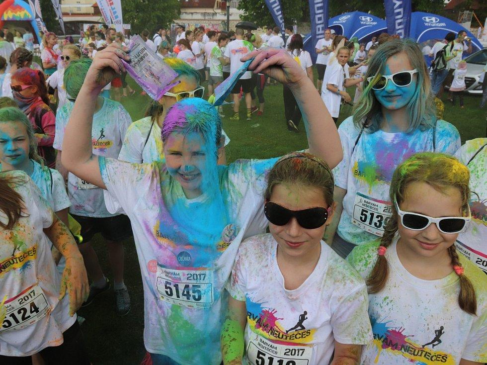 Běžecký závod nazvaný Barvám neutečeš se dnes běžel v několika skupinách v Českých Budějovicích