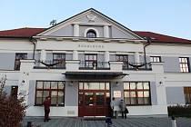 Městské centrum kultury a vzdělávání sídlí v Sokolovně.