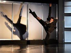 Viktor Svidró (30), sólista baletu Jihočeského divadla, je v užších nominacích na prestižní Cenu Thálie, díky hlavní roli v představení Kauza Kafka (na snímku).